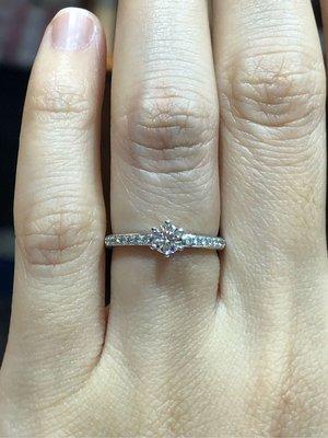 30分天然鑽石鉑金戒指,日本進口手工戒台經典款式設計適合求婚婚戒,媲美I-Primo,價格超實在,超值優惠價29800,