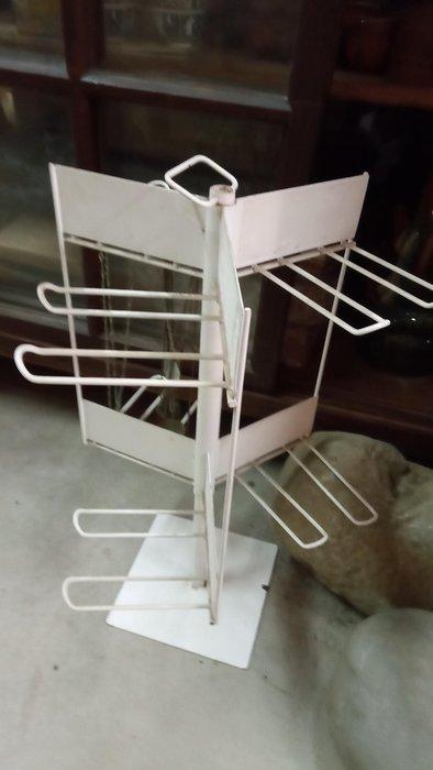 *阿柱的店*鐵件 吊飾用 置物架 收納架