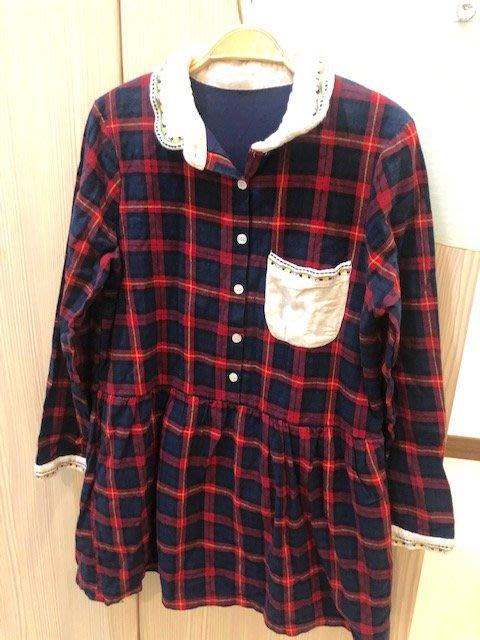 小花別針、日本品牌【 BLUE】紅色格子刺繡襯衫連身裙