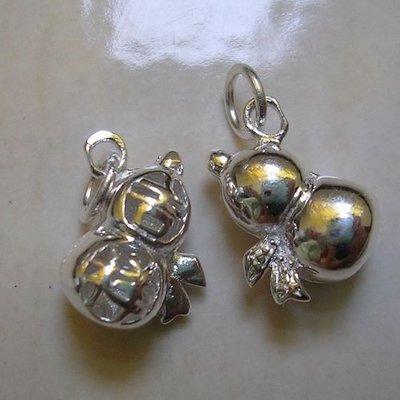 琥珀貓~【925純銀材料配件】吉祥墜飾~N8693~鏤空綁緞帶吉祥葫蘆(福祿)~一個