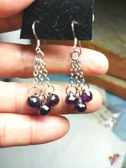 雅痞晶館~天然紫色鋯石水滴造型耳環!925純銀耳掛式耳針(須有耳洞)設計款~像紫水晶的紫色鋯石設計串連垂飾!僅一個
