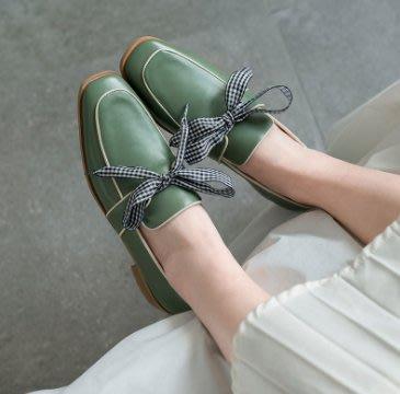 4895學院風方頭綁蝴蝶結造型拼色深口粗平跟皮鞋