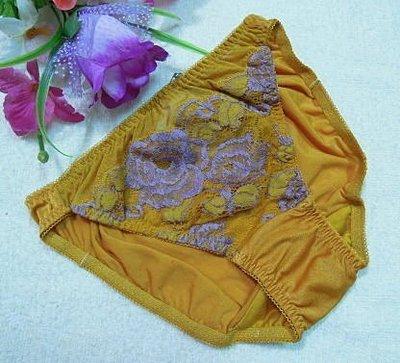 《華歌爾~Salute》~莎露【SS3080】蕾絲繡花內褲~~M~金黃色~絲棉褲