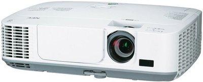 【易控王】NEC P501X 投影機 5000流明.1.7倍鏡頭比.內建鏡頭垂直位移功能方便安裝