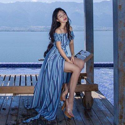 17Fun►實拍超美無色差~原創設計 波西米亞度假風 一字領性感露肩~長裙藍色條紋~女神~海島蜜月~ 馬爾地夫~黑妞私藏