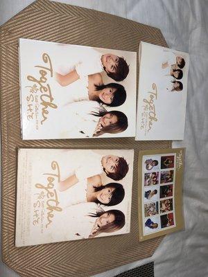 【李歐的音樂】片況幾乎全新 S.H.E Together 新歌+精選 CD+VCD外紙盒裝有郵票