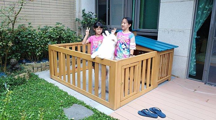 老麥狗屋設計製作,有圍籬的哦。