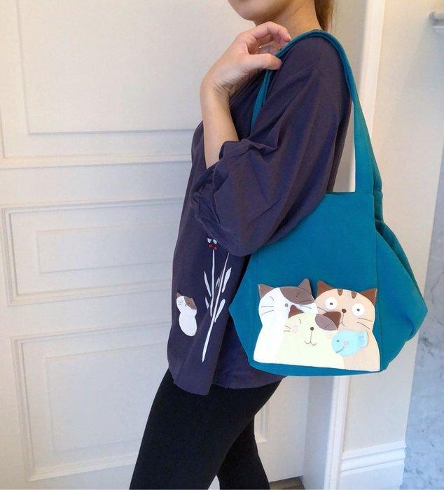 日本卡拉貓~卡拉貓家族立體方型側背包 肩背包