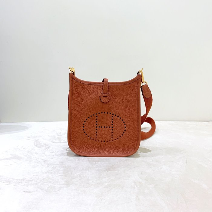 Hermes mini Evelyn 古銅色 斜背包 《精品女王全新&二手》