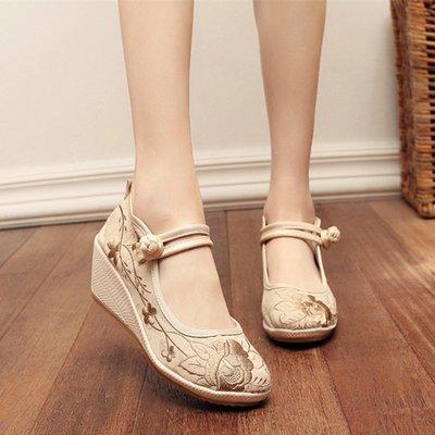 新款老北京布鞋坡跟素色繡花鞋女鞋中國風漢服配鞋古風單鞋子