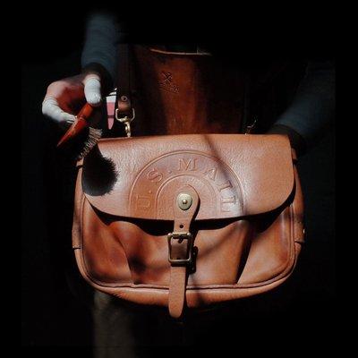 拓荒者革製所。Studio真皮單肩包中性男女mini小郵差包US MAIL BAG植鞣牛皮美式復古復古阿美咔嘰斜背包