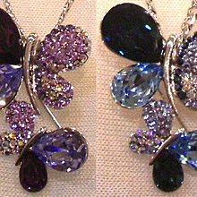施華洛水晶製金屬別針 - 雙蝴蝶