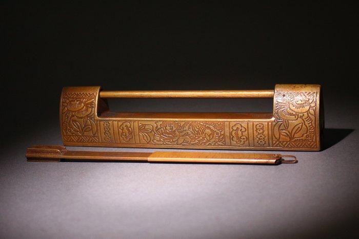 悅年堂 --- 銅 鎖