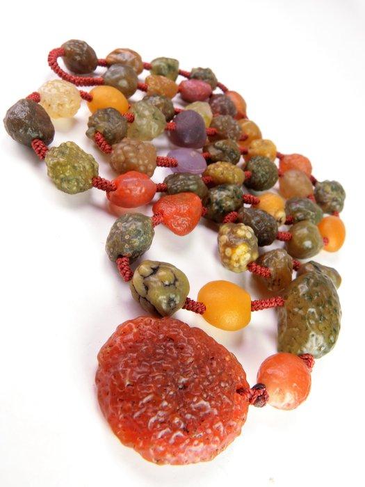 原生態原石 全天然圓潤戈壁紅綠筋脈瑪瑙珠搭早期紅筋脈項鍊珠串