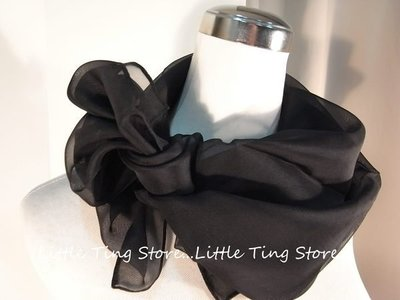 Little Ting Store:華麗典雅素面黑或白方形絲巾 絲中方巾 可 絲巾圍巾披肩頭巾髮帶 3色