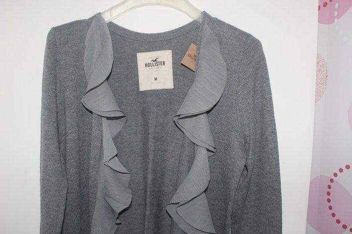 全新-美國HOLLISTER正品~浪漫荷葉針織小外套~灰/深藍二色~都很好搭配~尺寸M-灰色已售出