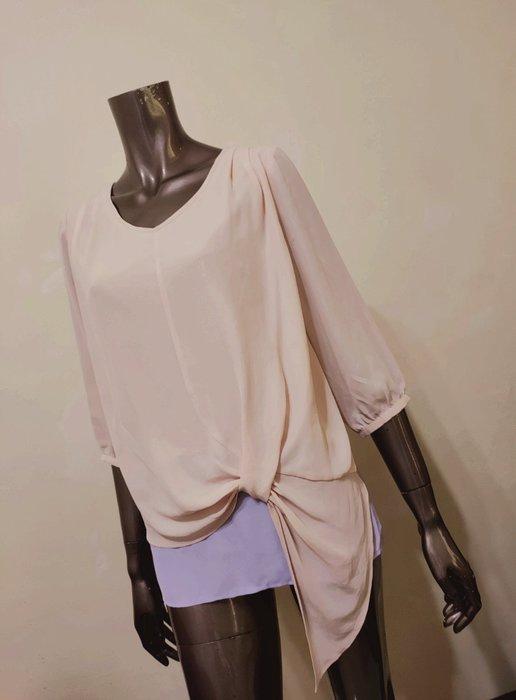 粉膚色拼接粉紫色雪紡紗造型上衣
