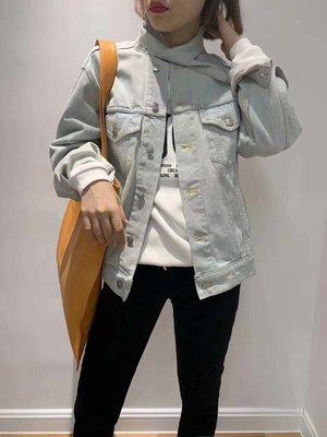 《巴黎拜金女》巴黎世家特價的牛仔外套