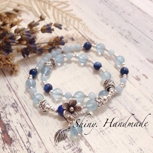 【亮穎晶石 -Shiny-】藍晶石 5-6mm x 冰透 海藍寶 6mm / 925純銀/ 清邁手工花/ 設計款水晶手鍊