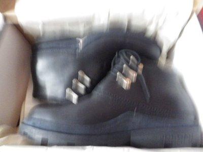 全新  JORDAN POUND 靴子 SZ11