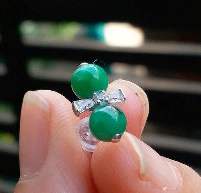 嗨,寶貝銀飾珠寶* 寶石飾品☆925純銀鋯石 保A貨 色澤油亮冰種滿綠翡翠 閃亮蝴蝶結純銀耳環 耳勾 耳針