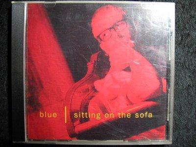 blue - sitting on the sofa - 1994年版 - 保存佳 - 81元起標  R173