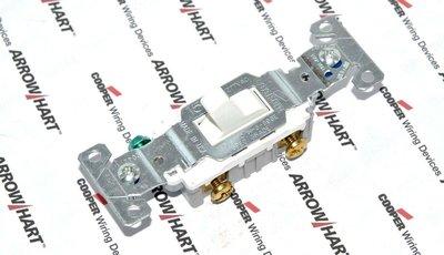 美國 COOPER 指撥式 單聯單路開關 CS115W白色 15A 120/277V 工業風 復古風 LOFT 設計師