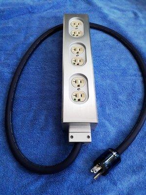 11.10mm厚鋁合金6位排插配荷寶具醫療級認證插座原價6000特價4500元