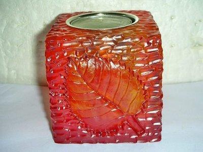 T.全新少見琥珀色樹葉雕刻造型方形燭台!--附燭塊提供給需要的人!/6房樂箱69/-P