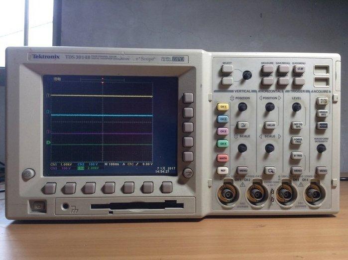 Tektronix 太克 TDS 3014B 數位螢光示波器 9成新 歡迎議價 示05