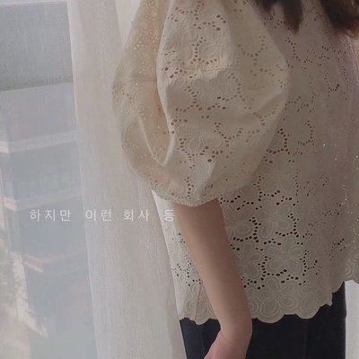 韓代銹花全蕾絲澎澎袖上衣op400