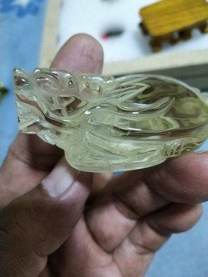 天然水晶美品..手工雕刻清透料天然黃水晶龍龜小襬件.水晶專櫃精品店飾品..便宜賣..一律免運費 .