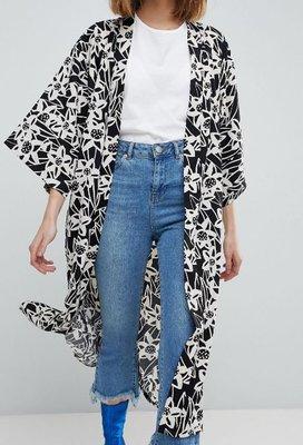黑白繪畫花卉印花和服版型長版寬袖外套Longline Kimono非洲肯亞製fair-trade公平交易良心時尚設計品牌