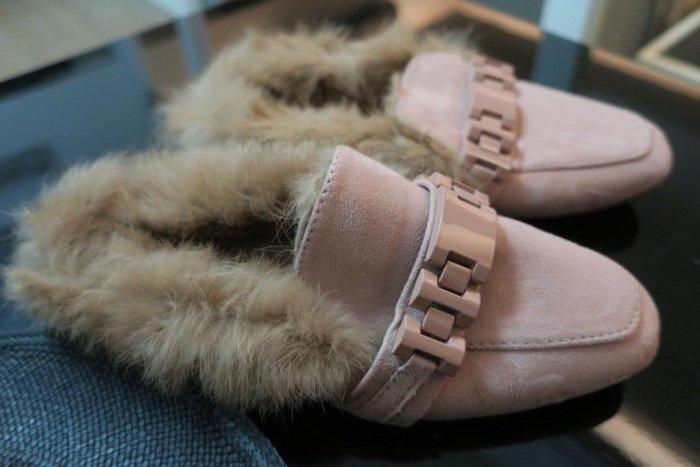 *Beauty*Li Lero兔毛毛乾燥玫瑰粉色麂皮平底鞋  2500元36號  CR