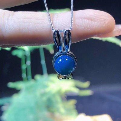 《七寶天》超萌可愛小 S925純銀鑲嵌多米尼加藍珀精品天空藍掛墜鎖骨鏈,7 - 8毫米珠