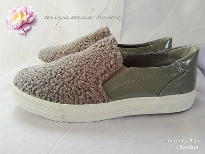 Something Borrowed灰色漆皮毛海造型包鞋25號(SW0065)