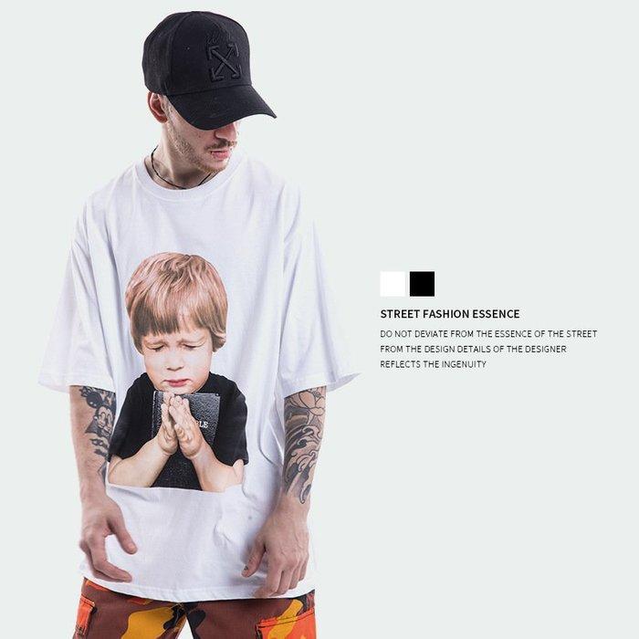 TST- 小孩 禱告 塗鴉 寬鬆 大尺寸 oversize 落肩五分袖 短袖T恤 短T 情侶款美式西岸