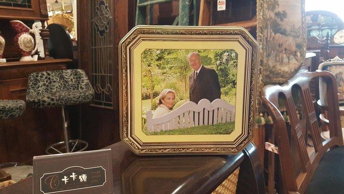 【卡卡頌 歐洲跳蚤市場/歐洲古董】歐洲老件_古典復古 夫妻 方形 鐵盒 餅乾盒 小物收納盒 m0429✬