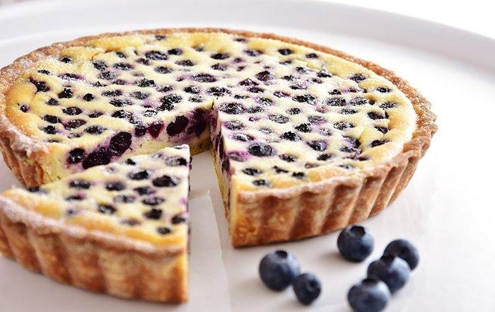 {慶祝Celebrate} 7吋 [藍莓烤乳酪塔]~每口都吃的到藍莓的芳香,與烙烤乳酪的濃郁完美搭配~