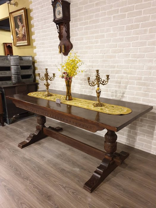 【卡卡頌  歐洲古董】英國 ~全實橡木雕刻  督鐸柱腳  木栓  個性  紮實  餐桌  工作桌 古董桌  t0117