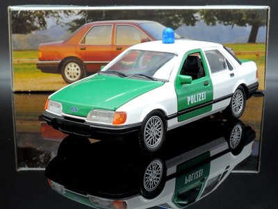 【M.A.S.H】[絕版品特價] Schabak 1/24 Ford Sierra Sapphire police德國製