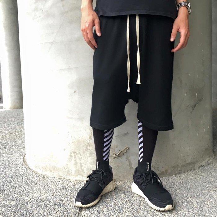 【TONES.】Drawstring Shorts 抽繩 超低檔 短褲