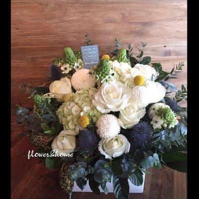 B39。期間限定。白綠黃色系盆花。祝賀開幕生日喬遷。婚禮桌花。台北花店。【Flower&House花藝之家】