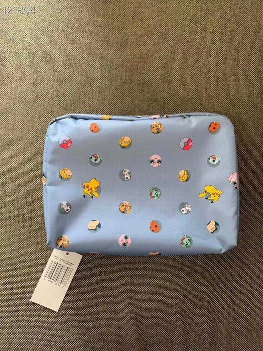 Lesportsac X Pokémon 7121 皮卡丘 pikachu 聯名款 雙面不同花色 化妝包 盥洗包 收納包 耐磨 防水 輕量