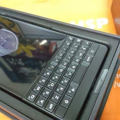 黑苺 Blackberry KEYTWO 6+64GB  黑銀 key2 全新