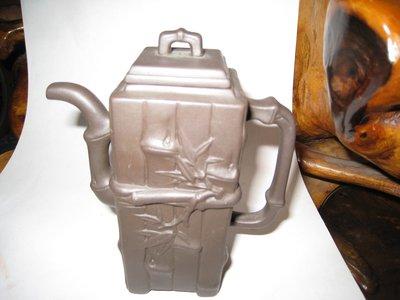 竹節方壺長11寬5高11(公分)鶯歌,未使用早期.