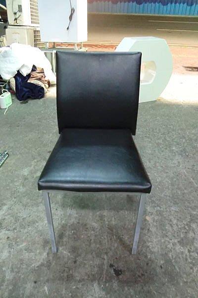 樂居二手家具*黑色伯爵餐椅*餐椅 全新餐椅 另有橘 白 紅 咖啡 共五色可選