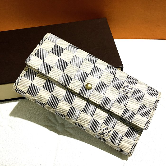 二手旗艦 LV N61732 白色 棋盤格紋 10卡 3摺 釦式 零錢 長夾 皮夾 (公益店)02806