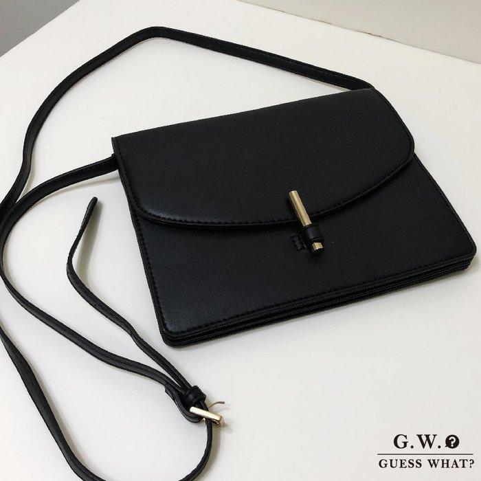 GW 黑色簡約皮質多層 斜背包 肩背包 側背包 出國 分隔多 容量大 超質感 GUESSWHAT