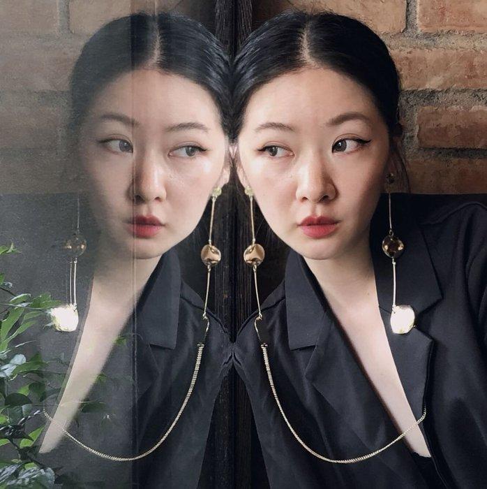 SEYES  {韓國空運} 歐美前衛時尚設計感金色一體成形項鍊耳環